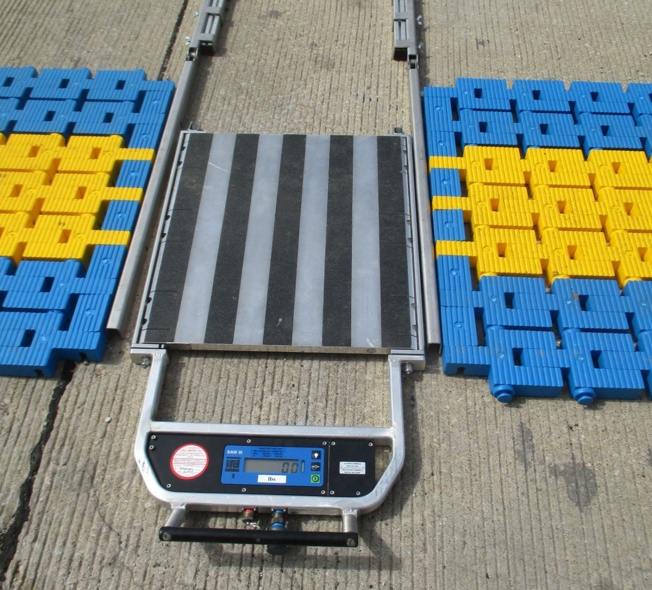 IRD SAW III Portable Scale with flex frame and mats